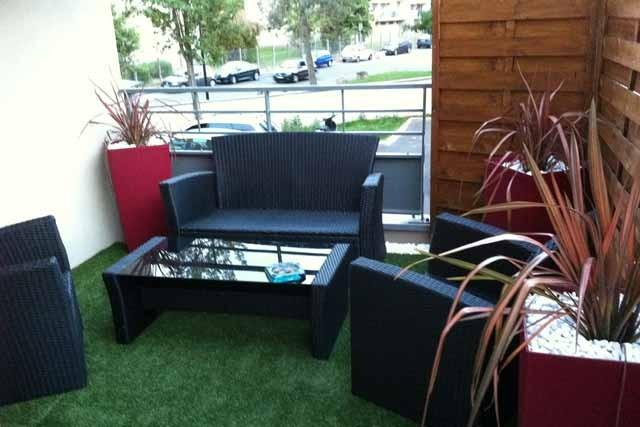 paysagiste terrasse am nagement balcon montluel. Black Bedroom Furniture Sets. Home Design Ideas